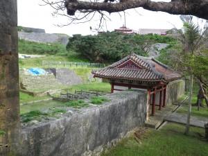 円覚寺裏側